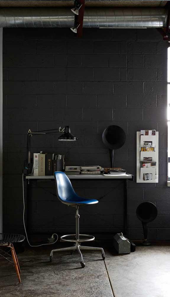 Moderna e despojada: a escrivaninha suspensa perfeita para ambientes arrojados