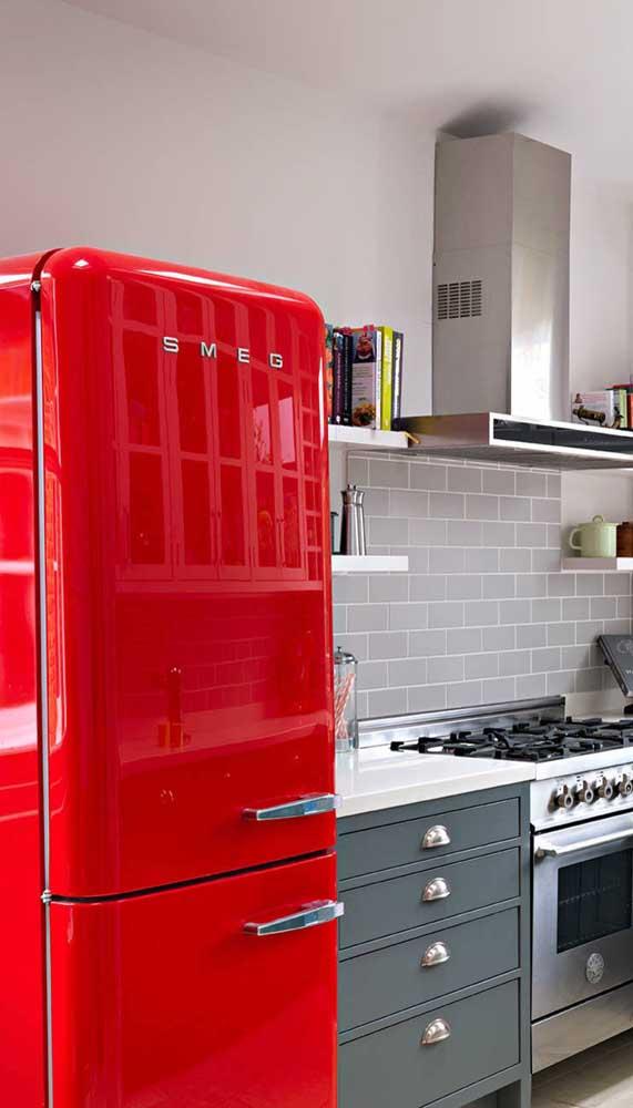 A super mega estilosa geladeira retrô vermelha!