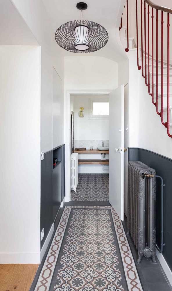 O corredor da sua casa pode ficar mais charmoso com um pendente aramado