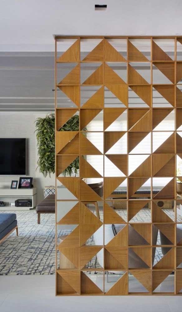 Divisória de madeira ao estilo cobogó