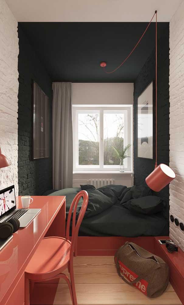 Quarto de solteiro com paredes de tijolinhos. Repare que as cores nas paredes ajudam a setorizar os espaços dentro do quarto