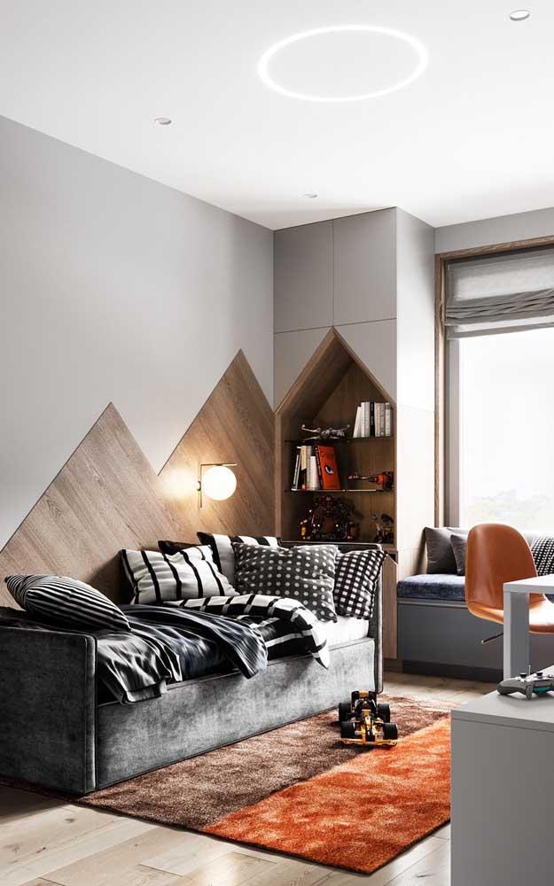 A encostar a cama na parede você cria a sensação de que o quarto é mais amplo e a cama maior