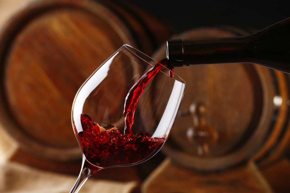 Como abrir garrafa de vinho: veja o passo a passo para cada caso