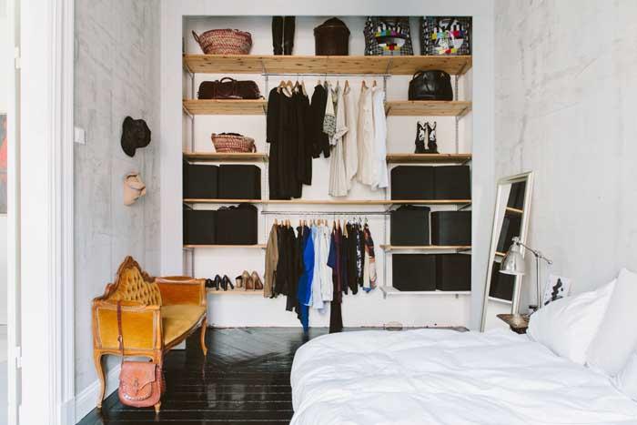 Um modelo de guarda-roupa aberto fácil, barato e simples de copiar