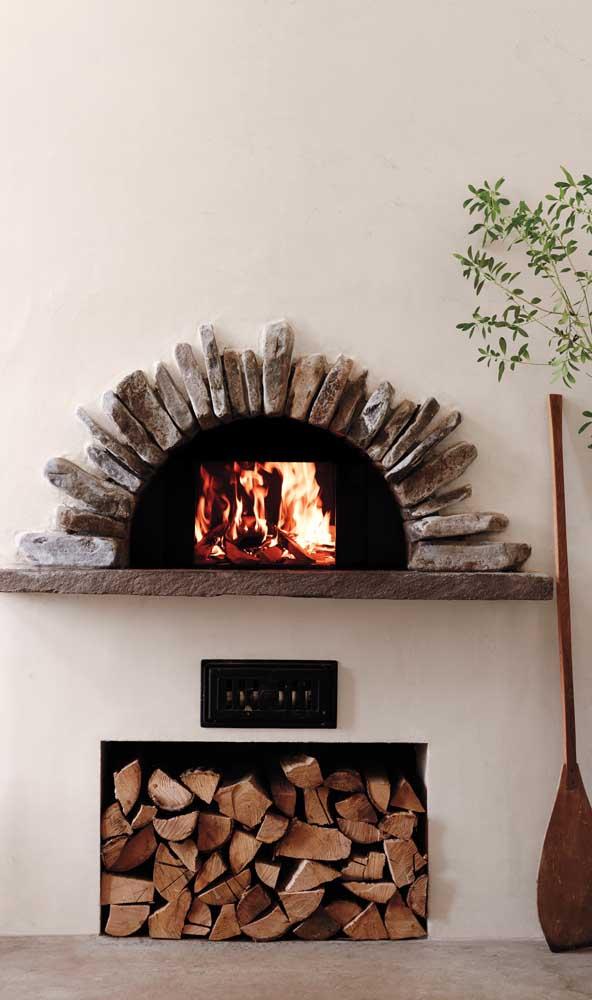 Arco de pedras para fazer o acabamento do forno a lenha