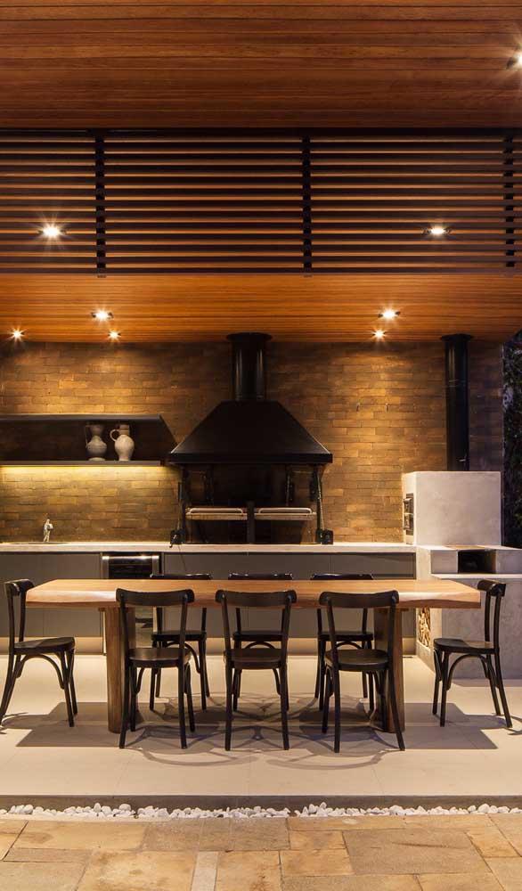 Área gourmet moderna com forno a lenha quadrado