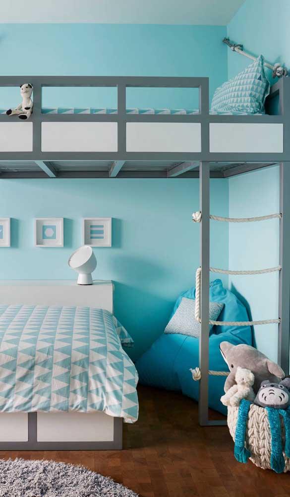 Dê preferência por um modelo de puff que se encaixe na paleta de cores do quarto