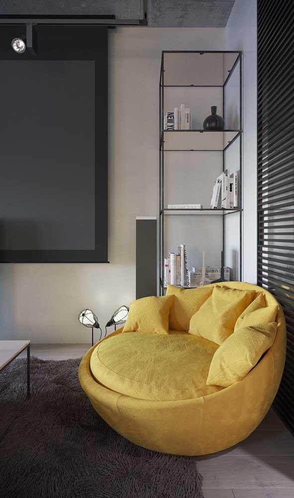 Um puff que mais parece um sofá