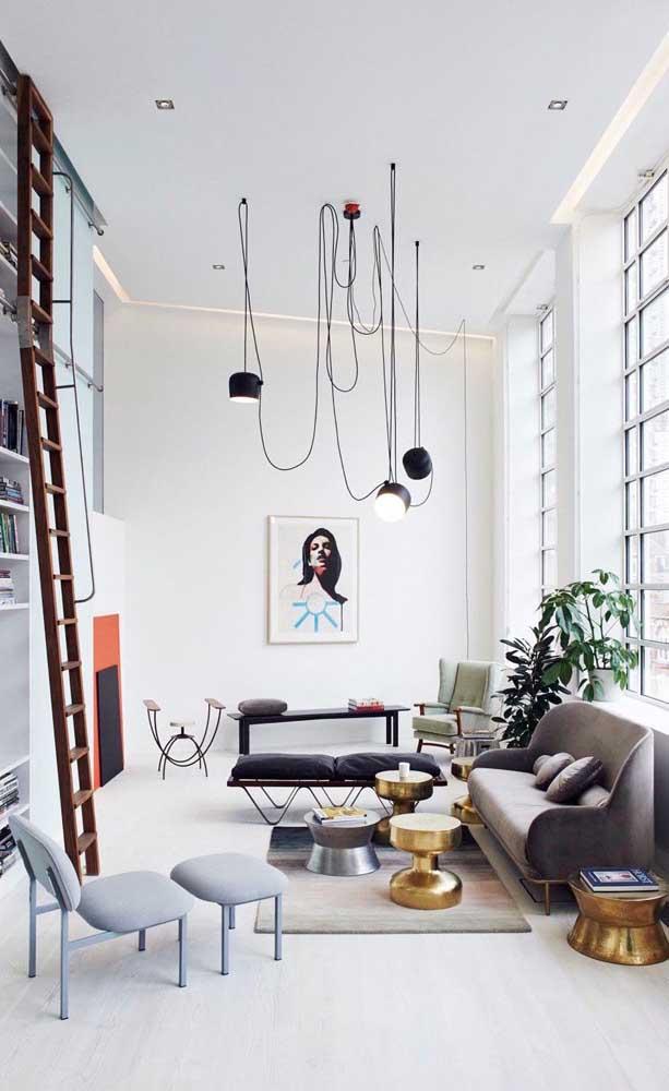 Ambientes com pé direito alto ficam mais bonitos e elegantes com o teto rebaixado de gesso