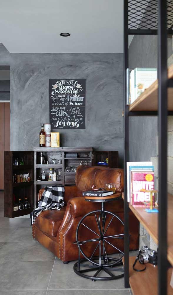 Home bar na sala de estar: lugar perfeito para preparar os drinques e receber as visitas