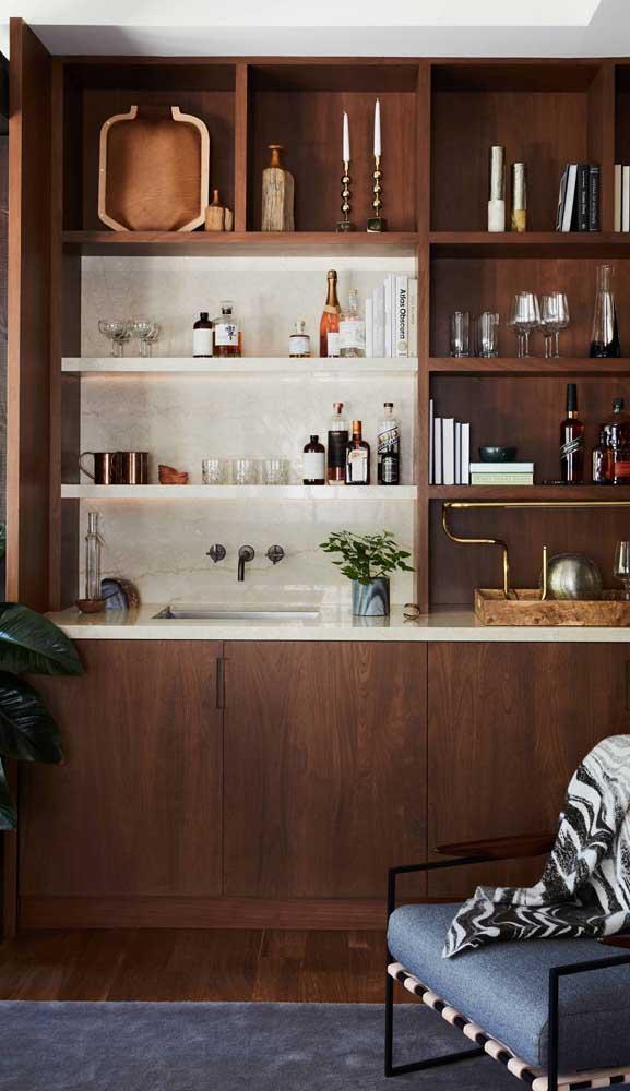 Home bar na melhor combinação entre o clássico e o rústico