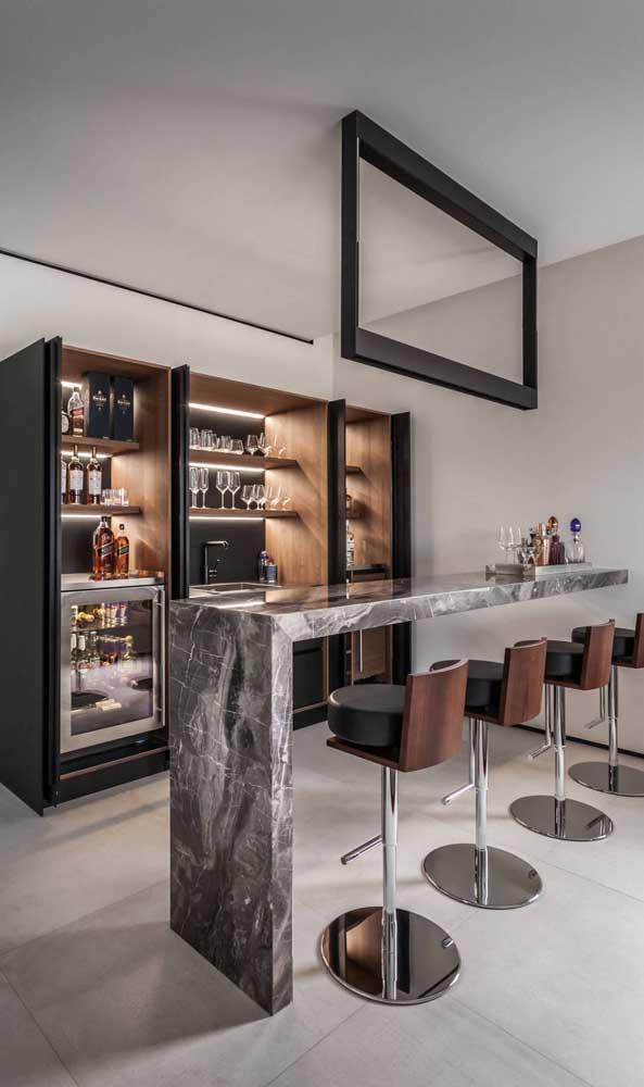 Não dispense boas banquetas para o seu home bar! Elas farão seus convidados se sentirem super confortáveis