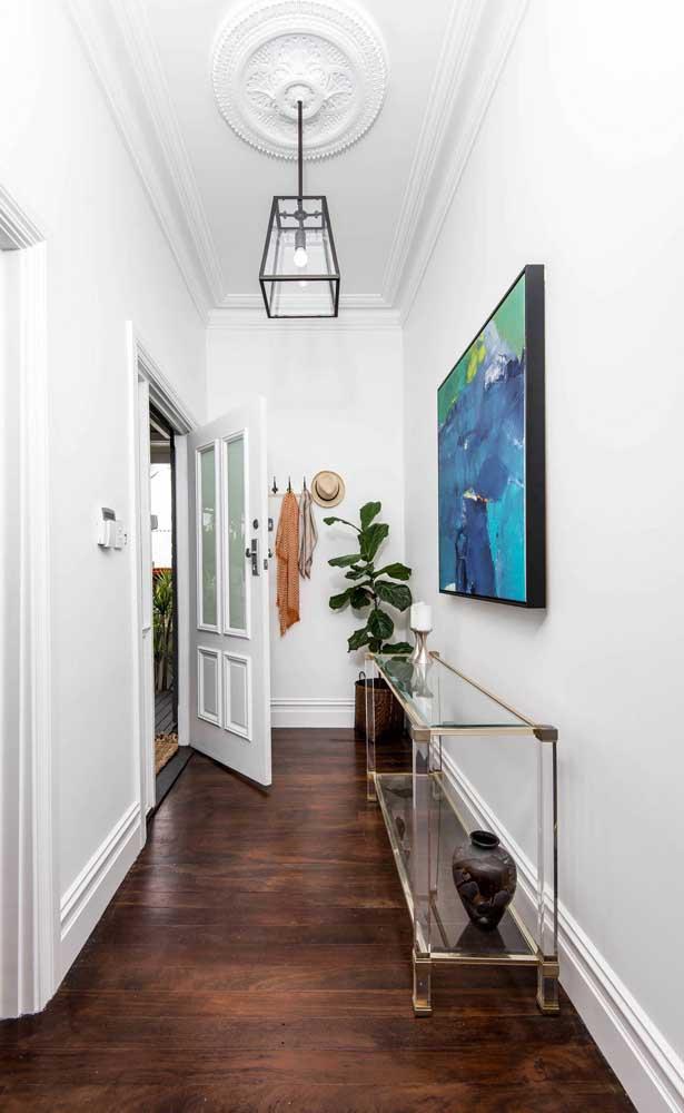 De aparência leve e suave, a bancada de vidro garante um espaço mais limpo visualmente