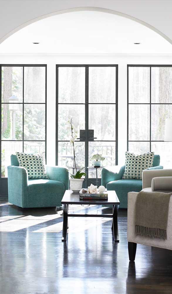 Trio de portas francesas para a sala de estar ampla e espaçosa