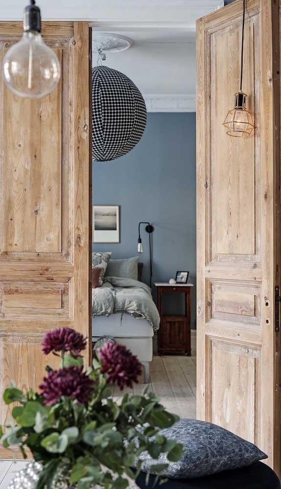 Linda e rústica versão de porta francesa de madeira maciça