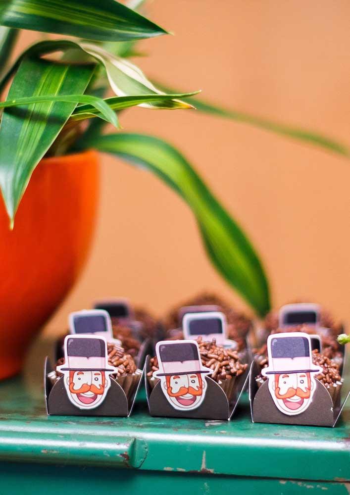 Personalize as caixinhas dos doces da festa Mundo Bita.