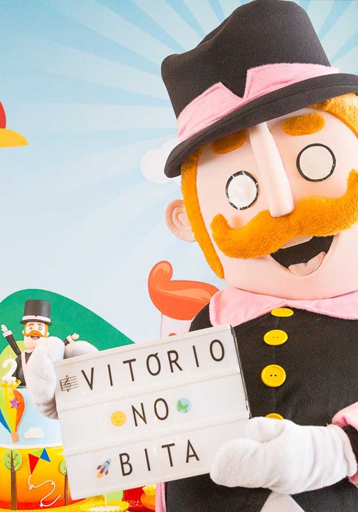 O que acha de investir no boneco gigante do personagem principal do Mundo Bita?