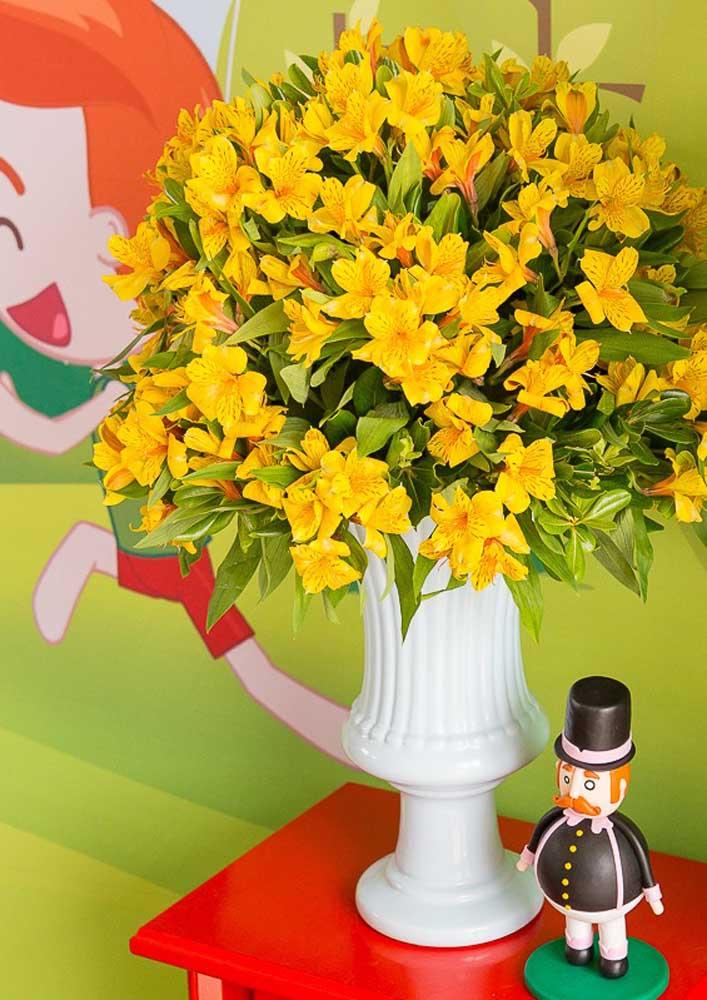 Dá para usar e abusar de vários arranjos florais na decoração Mundo Bita.