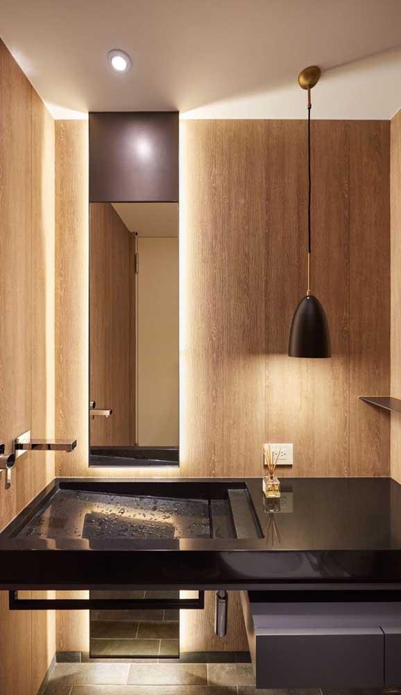 O banheiro também precisa ser um espaço aconchegante na casa e você pode conseguir isso apostando em luminárias