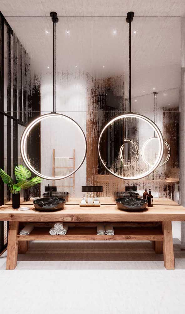 Transforme o seu espelho na própria luminária