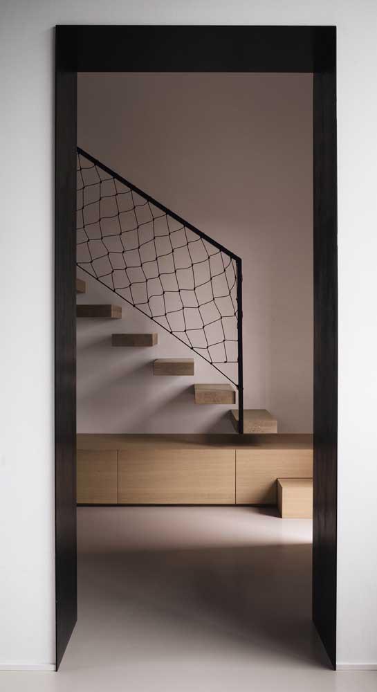 Forma simples de substituir o guarda corpo da escada