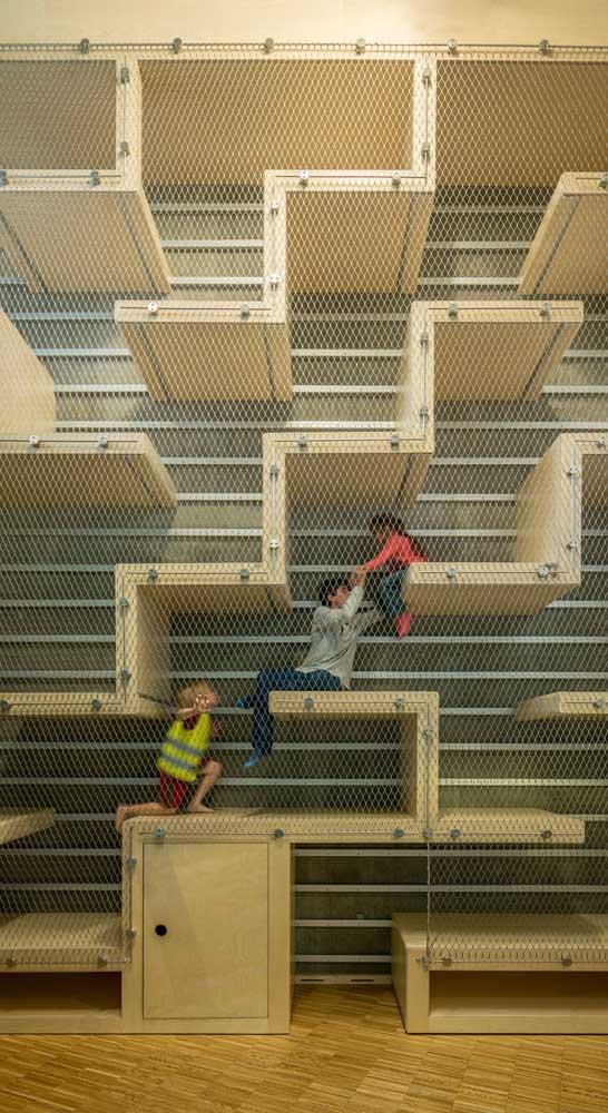 Deixe as crianças brincarem livremente! A rede de proteção cuida delas!