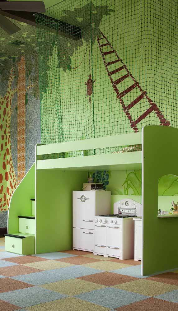 Aqui nesse quarto infantil a opção foi por uma rede de proteção verde para combinar com a decor
