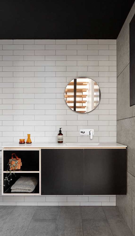 Espelho bisotado redondo simples para o banheiro