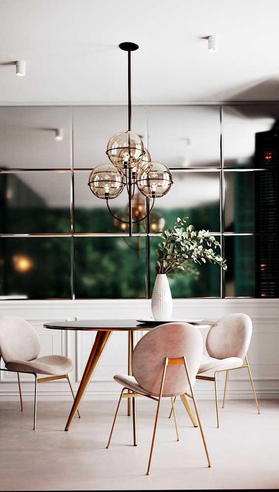 Painel de espelho bisotado para sala de jantar moderna e elegante