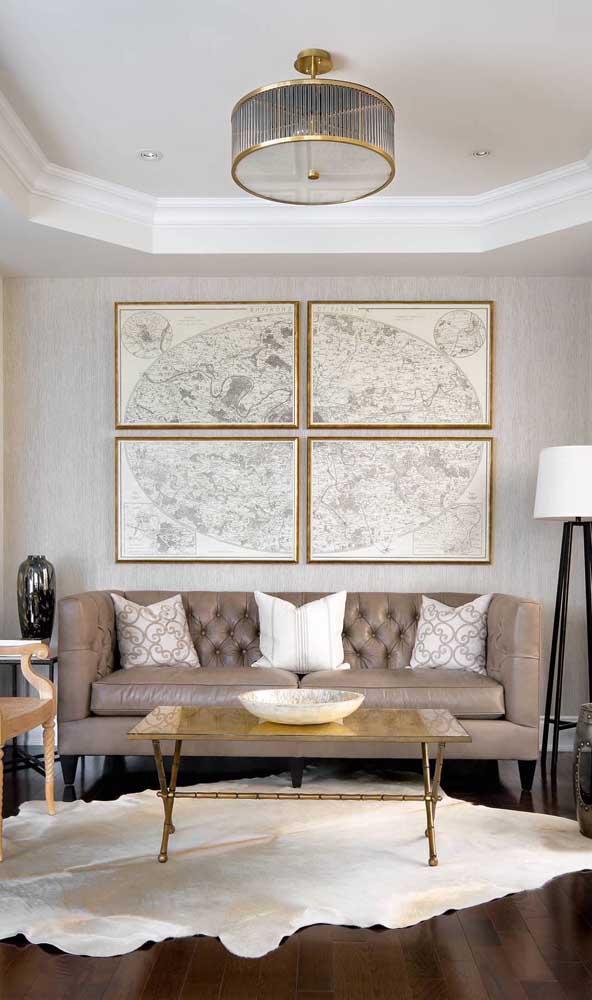 Nessa sala de estética perfeita, o sofá retrô completa a proposta simétrica