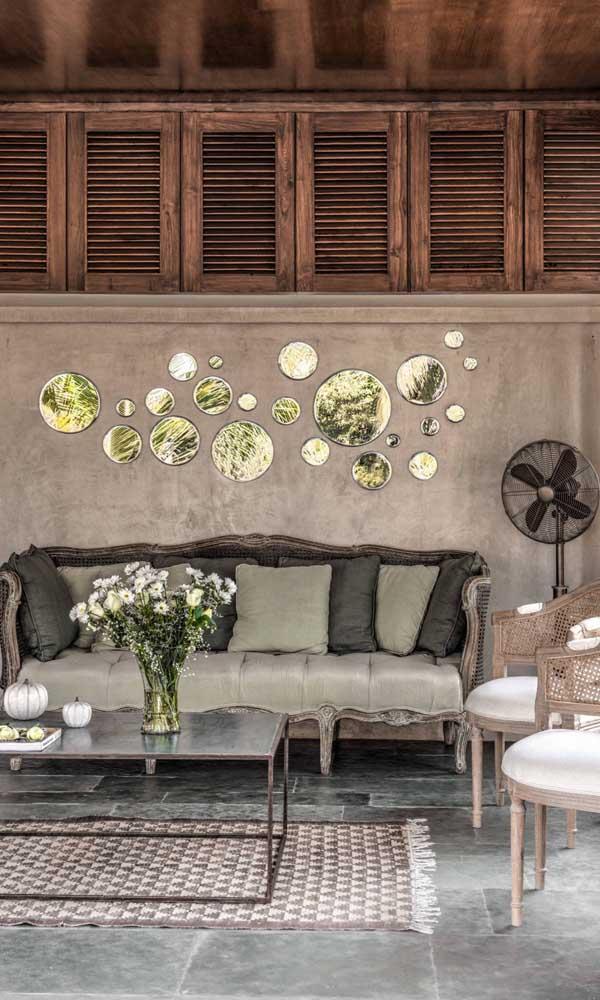 O conjuntinho perfeito: sofá e cadeiras retrô