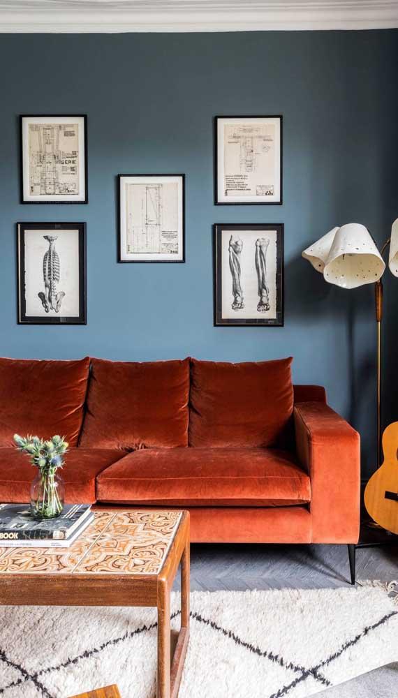 Os pés palitos são marca registrada dos sofás de estilo retrô