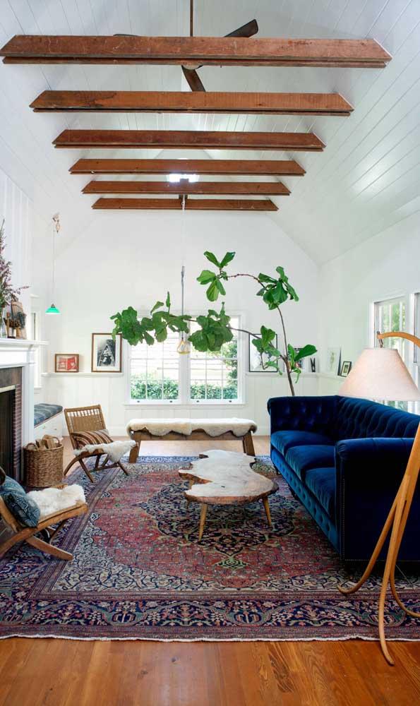 Sofá Chesterfield azul de 3 lugares: o charme inglês para a decor retrô