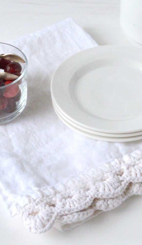 O fio mais grosso garante um acabamento bem diferenciado para o crochê do pano de prato