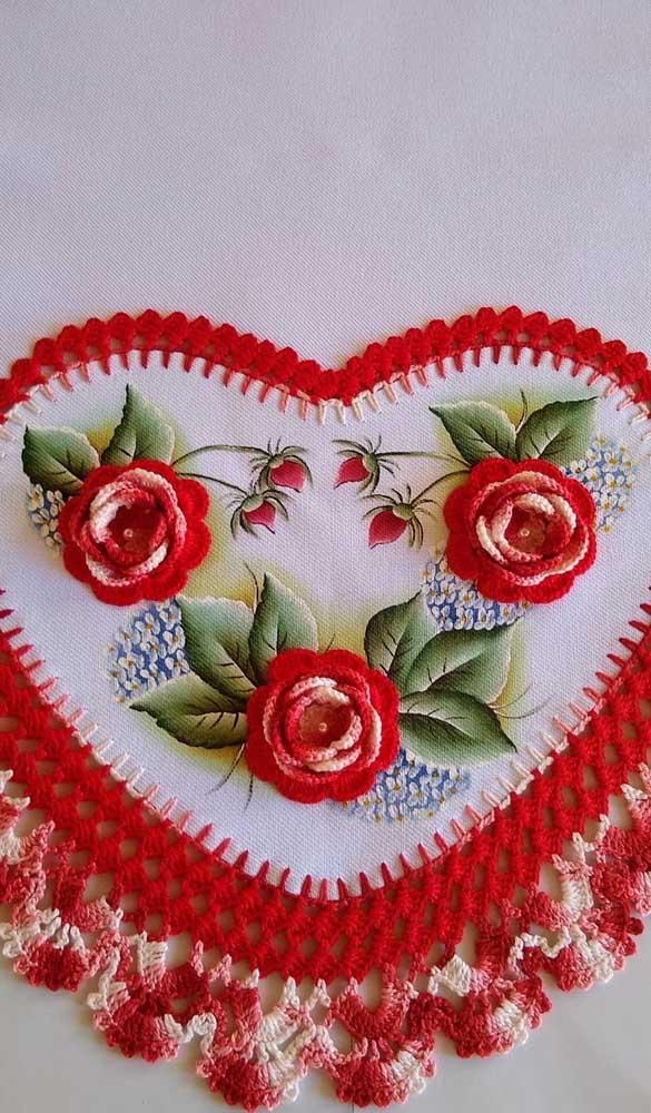 Sabe pintar e fazer crochê? Junte essas duas habilidades para fazer um pano de prato lindo de viver