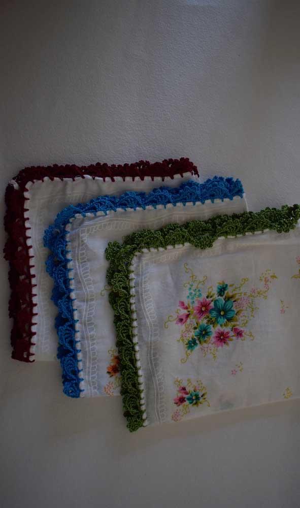 Com algumas horas de dedicação diária você já consegue produzir lindos barrados de crochê