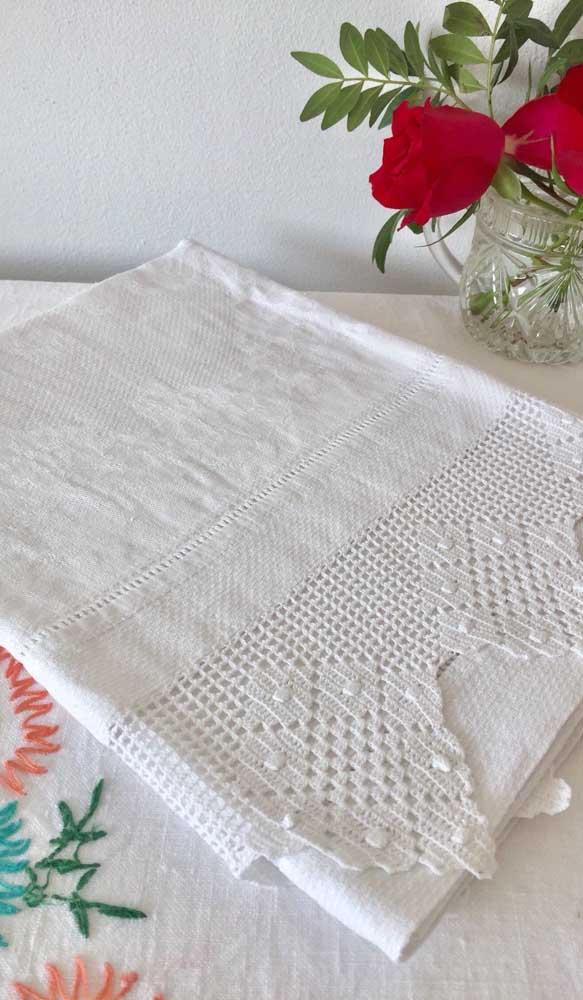Olha que trabalho elegante e sofisticado em crochê!