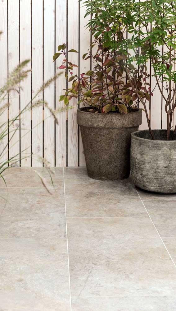 Resistente e durável, a pedra mineira pode ser usada em projetos externos sem medo