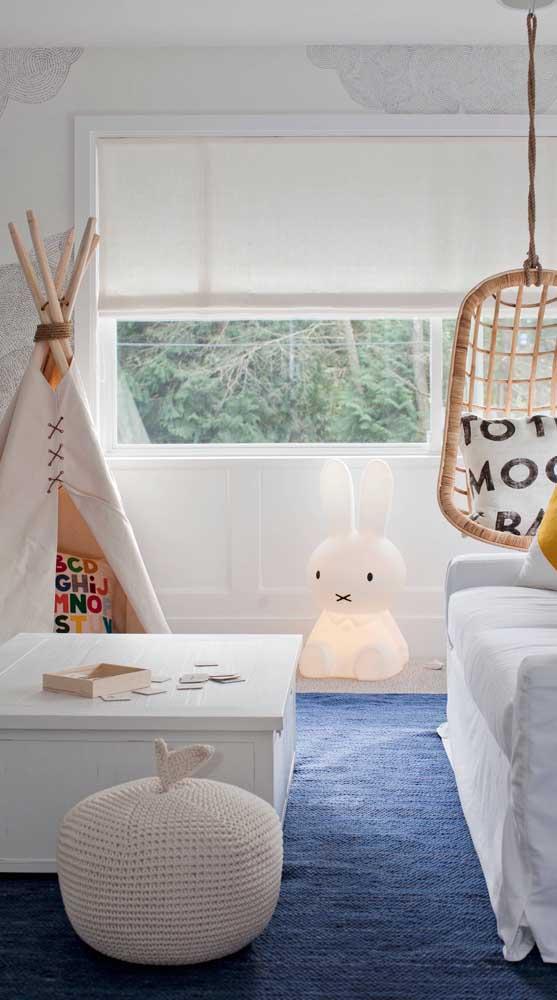 Considere a cabana infantil como parte integrante da decoração. Portanto, adapte cores e estampas com a decor do ambiente