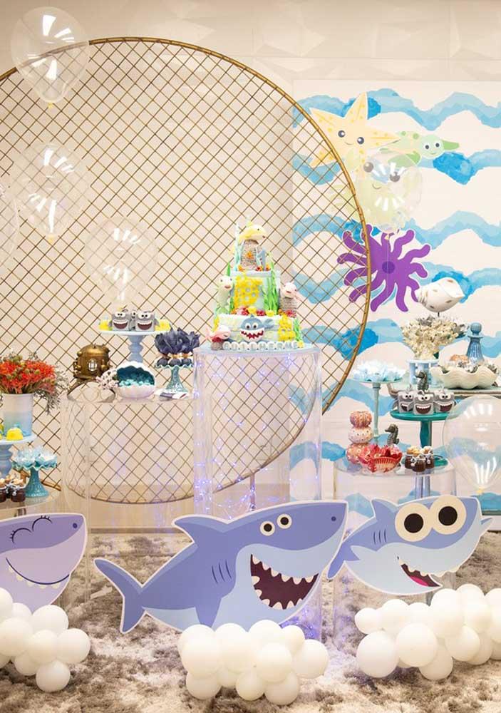 Capriche na decoração da festa Baby Shark.