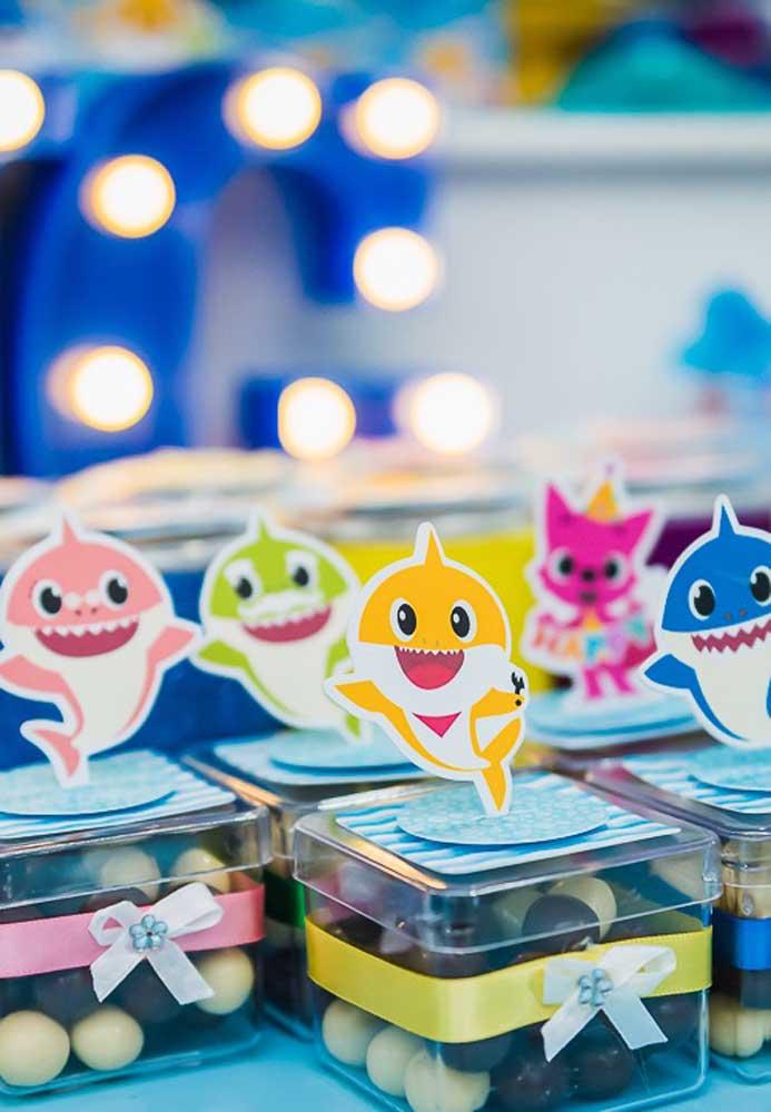 Olha a carinha de felicidade da família,Baby Shark.