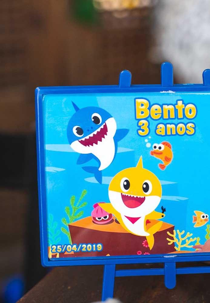 Faça um quadrinho temático Baby Shark.