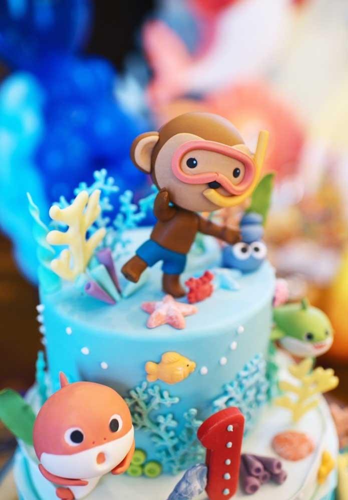 Deixe a imaginação fluir na hora de fazer o bolo Baby Shark.