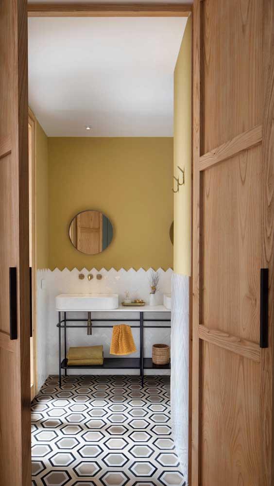 Gabinete de metal com prateleiras: versão moderna e minimalista de armário de banheiro