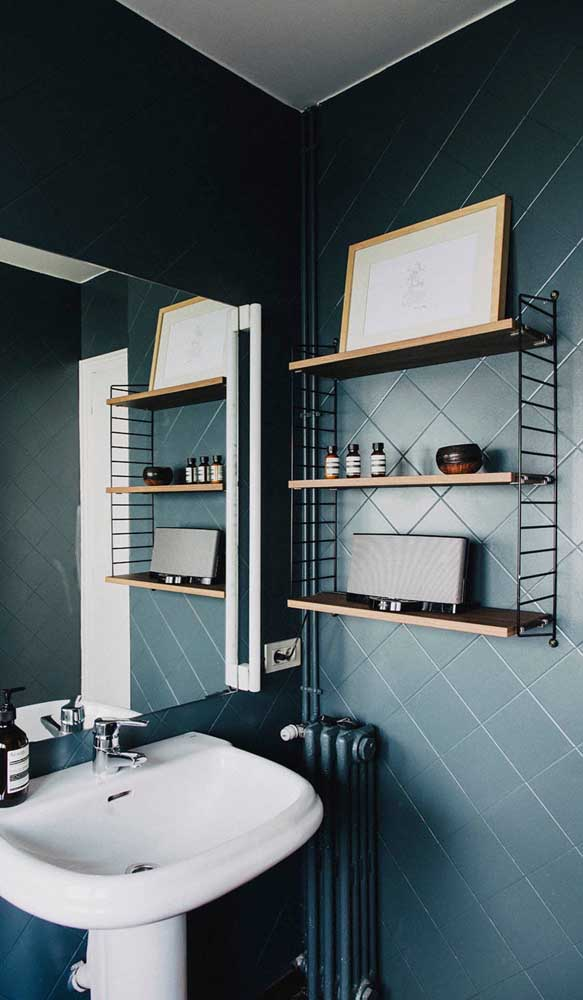 A prateleira do banheiro deve ser colocada em um local de fácil acesso