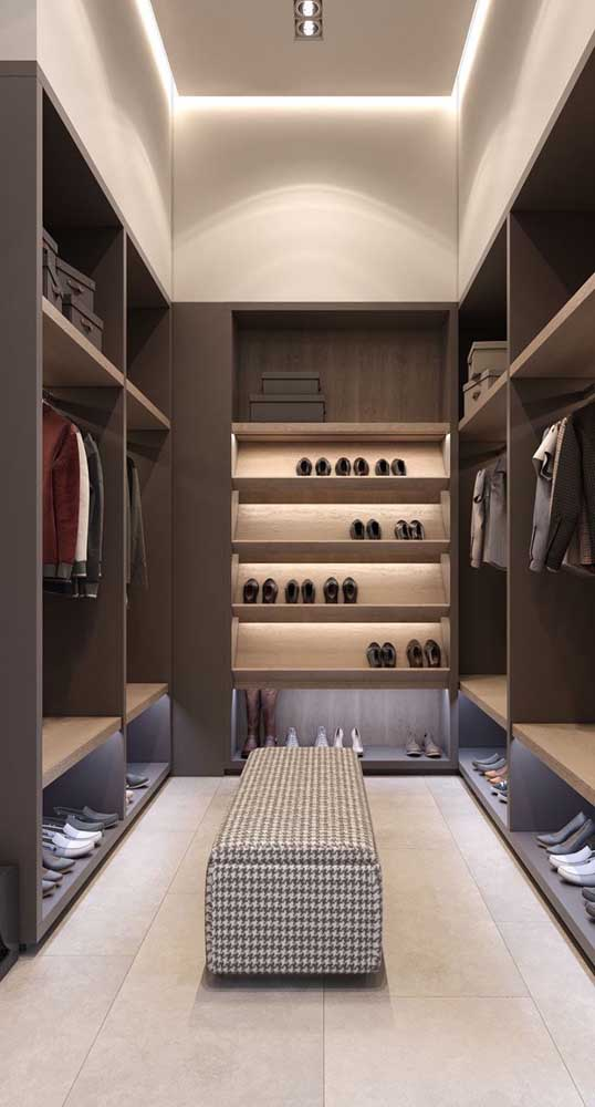 Closet masculino de luxo, super moderno e espaçoso