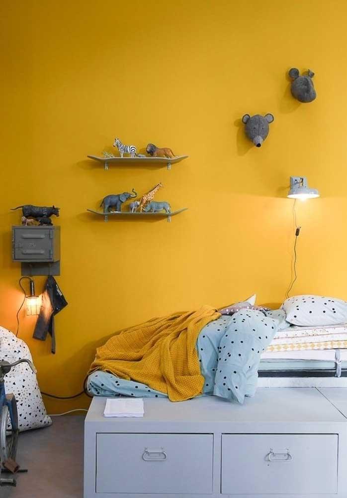 Uma boa opção de decoração é o quarto infantil amarelo.