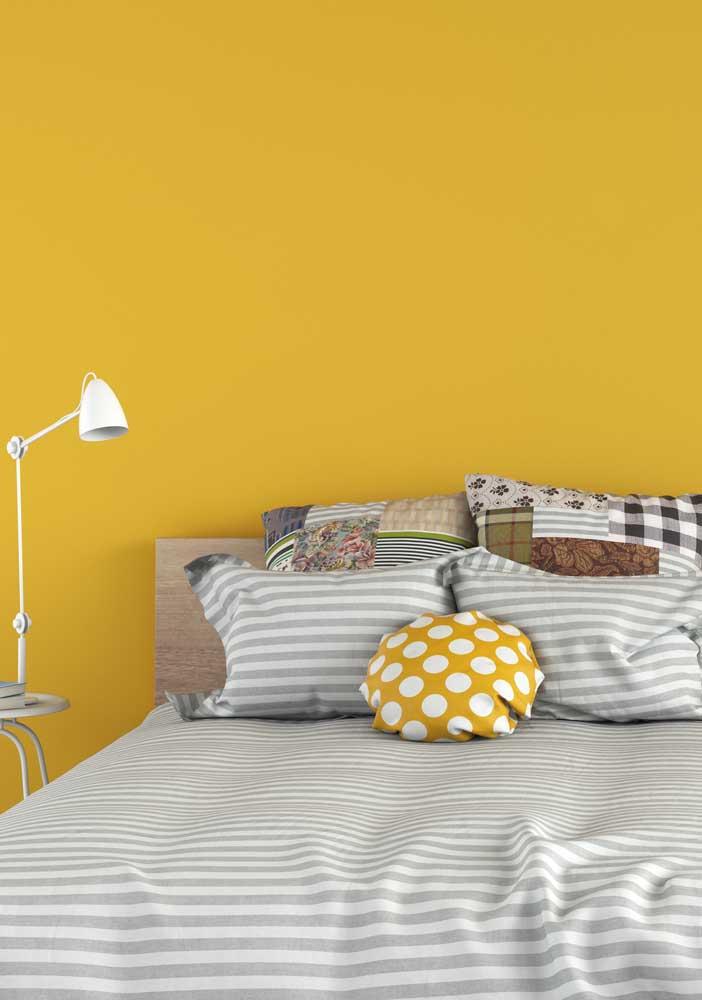 A cor amarelo deixa o ambiente cheio de energia e de boas vibrações.