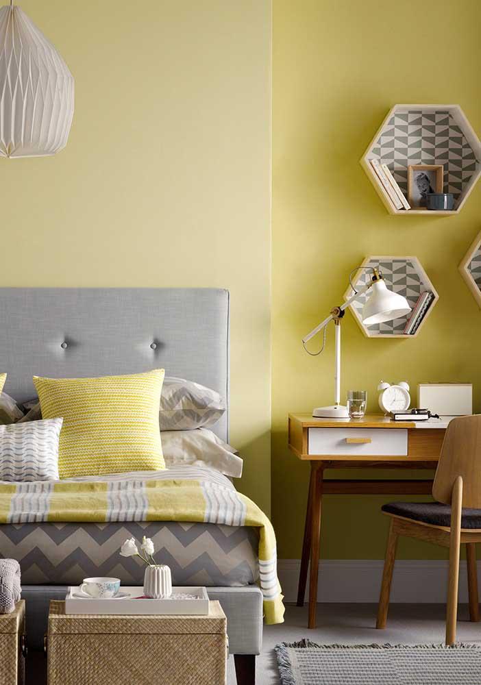 O tom de amarelo suave é perfeito para deixar o ambiente mais calmo.