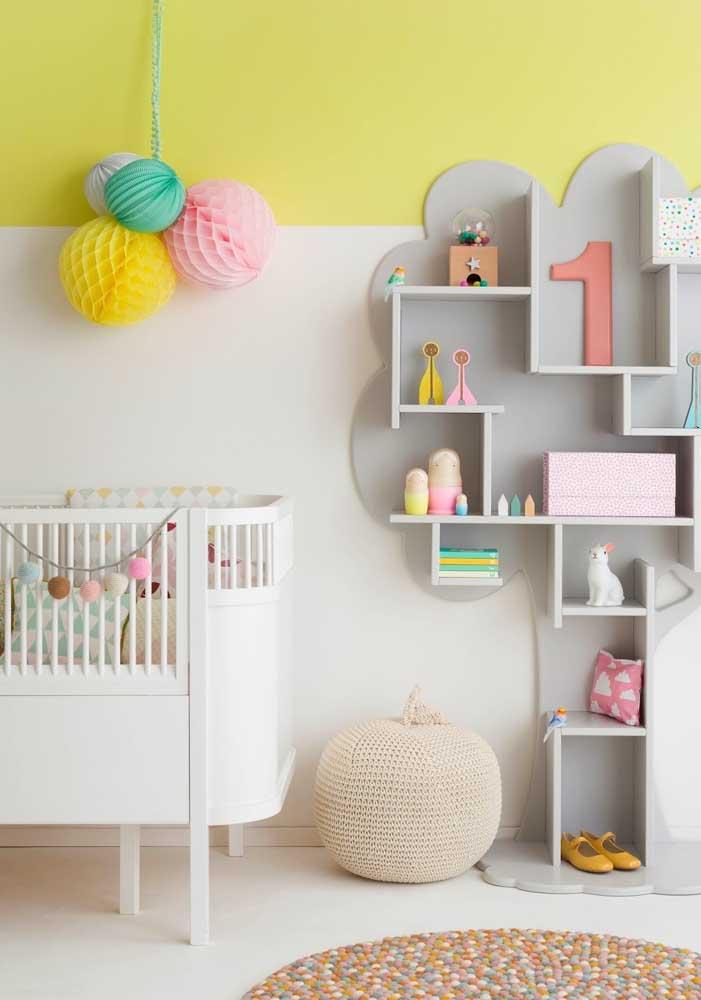 No quarto amarelo bebê você pode escolher alguns objetos na cor amarelo.